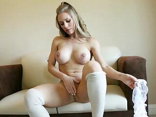 Blonde beauty Nicole Aniston pleasures herself