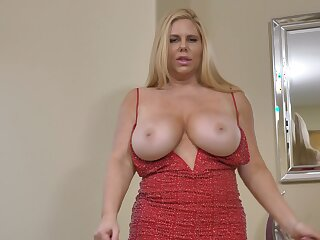 Voluptuous MILF Karen Fisher has huge boobs together with she loves masturbating
