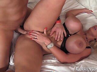 Breasty Alura Jenson hard MILF porn pellicle