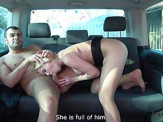 Lad fucks this curvy MILF on the back seat