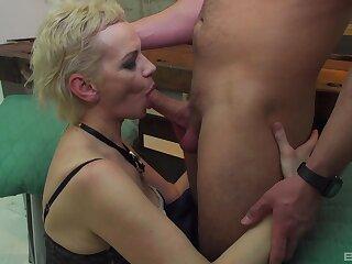 Whorish mature lass went validation what she desperately wanted