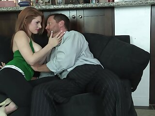 Redhead soaks the brush telling tits apropos sperm after bonking step daddy