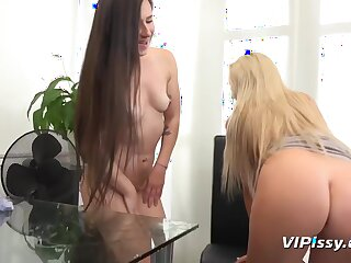 The Office Slut Enjoys This Extreme Piss Session
